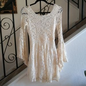 ALTAR'D STATE Lace Bell Sleeve Mini Dress Size M.